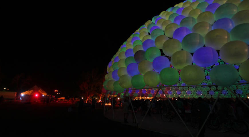 Card dezeen the dome at coachella by hector serrano ss 4