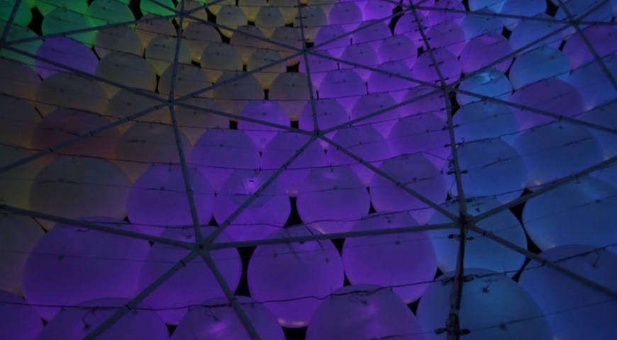 Card dezeen the dome at coachella by hector serrano ss 11